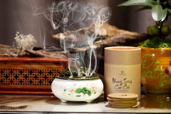 lư sứ Hoa sen