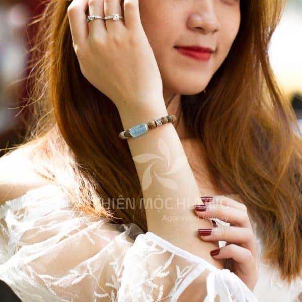 Vòng tay gỗ Trầm Hương Thanh Nguyệt Trầm
