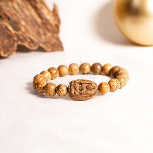 Vòng tay gỗ Trầm Hương Phật Bản Mệnh