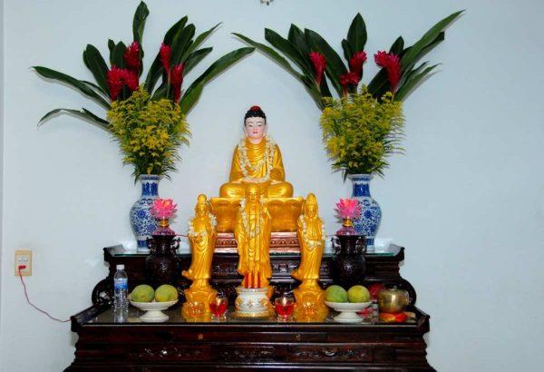 Lời phật dạy và cách bày trí bàn thờ Phật
